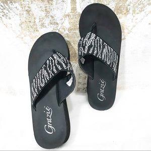 Grazie women's Black sandals Size 8